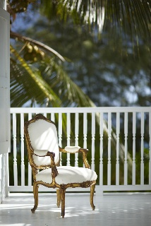 Contrasts.Sitting Pretty, Beachy Living, Plans Plans, Fab Chairs, India Hicks, Hibiscus Hills, British Colonial, Stylish Interiors