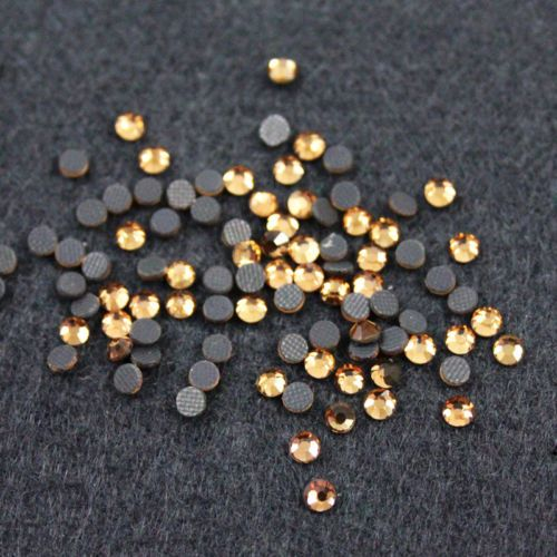 HOT-FIX-FLAT-BACK-ROUND-IRON-ON-RHINESTONES-10-COLOURS-6-SIZES-DIAMANTES-SS