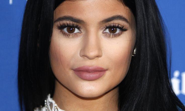 5 vezes em que a maquiagem de contorno das Kardashian deu errado