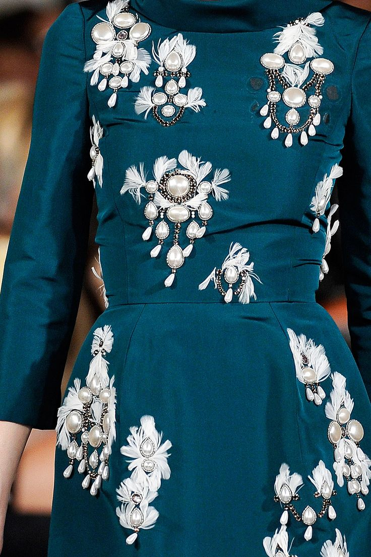 Oscar de la Renta's Fall, 2012 collection was all about the details.  (via Vogue, Photo: Marcio Madeira/firstVIEW)