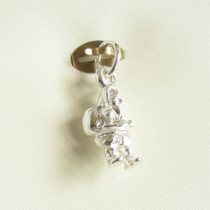 https://flic.kr/p/PD281o | Father Christmas Charm - Chain-me-up.com.au - Silver Charms | Follow Us : www.chain-me-up.com.au  Follow Us : www.facebook.com/chainmeup.promo  Follow Us : twitter.com/chainmeup  Follow Us : followus.com/chain-me-up