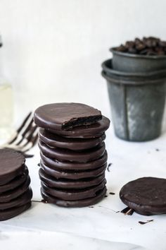 15 minute no-bake, three ingredient Thin Mints.