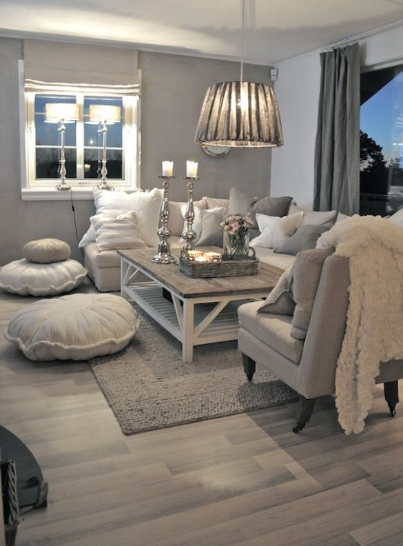 like the low hanging pendant for the living room and the warm tones....so cosy :)