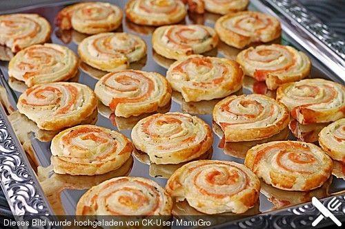 Blätterteig - Lachs - Schnecken, ein gutes Rezept aus der Kategorie Fingerfood. Bewertungen: 266. Durchschnitt: Ø 4,6.