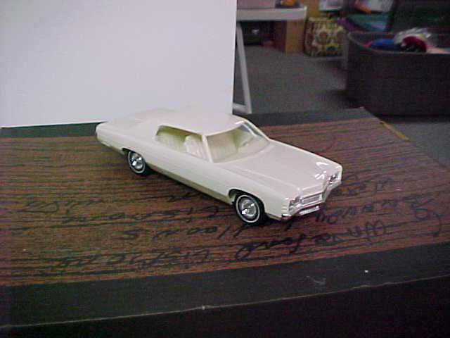 Chevy Impalas Com >> 1972 Chevy Impala 2 Door Ht promo model   P´tites auto   Pinterest   Model car, Diecast and Cars