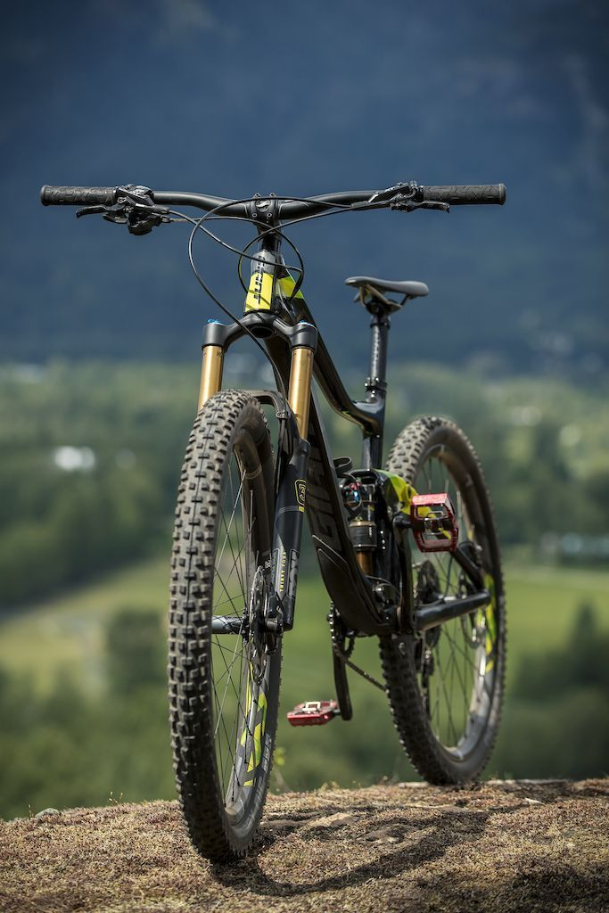 62444229a45 Giant Trance Advanced 1 - Review | Bad Ass Bikes | Giant trance ...