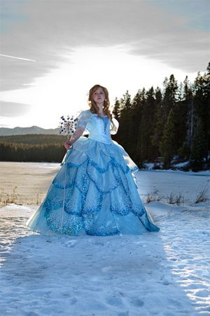 Glinda cosplay - No One Mourns the Wicked, Bubble dress