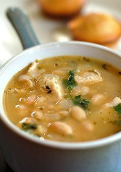 Easy and crowd pleasing White Bean Chicken Chili #recipe.
