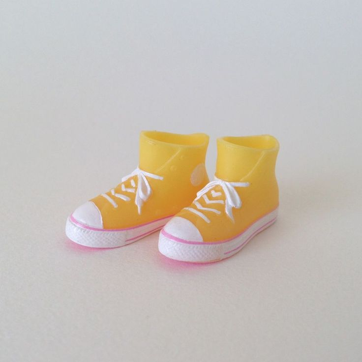 RARE Takara Blythe Doll Stock Shoes - Yellow Converse Boots Shoes #Takara #ClothingAccessories