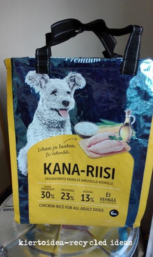 Upcycled dog food bag . koiraruokasäkistä kassi