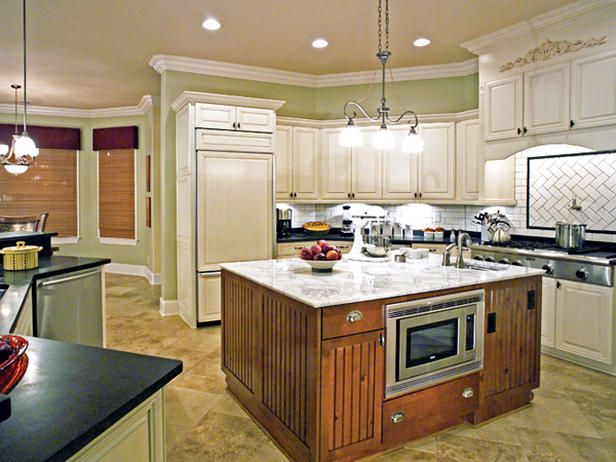 This is BEYOND fabulous. Chef's dream #kitchen.Wall Colors, Bakers Islands, Dreams Kitchens, Chefs Kitchens, Dreams House, Chefs Dreams, Painting Colors, White Cabinets, Fabulous Kitchens