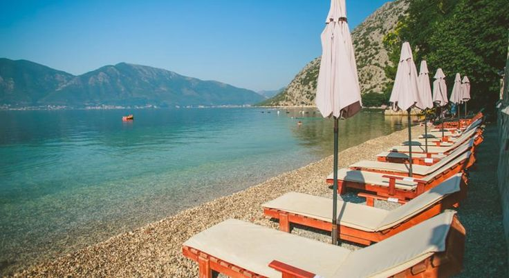 Clear water, blue sky and comfortable sun beds #montenegro #bokabay