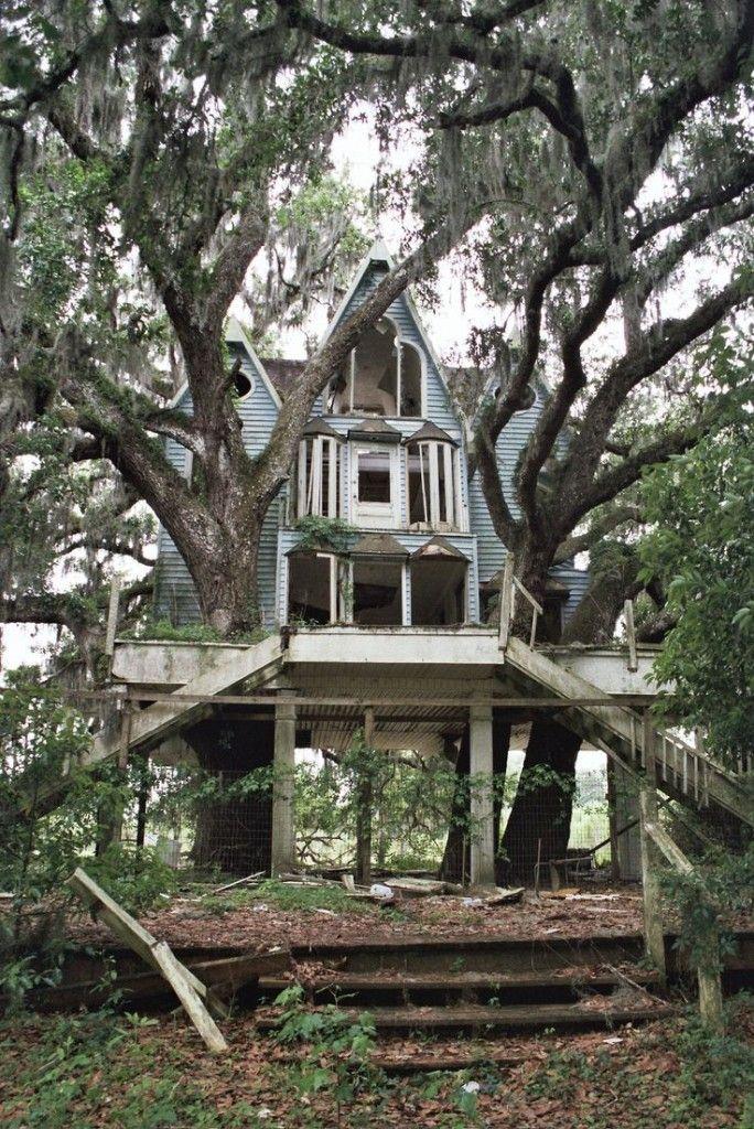 Casas abandonadas que parecem mal assombradas                                                                                                                                                                                 Mais