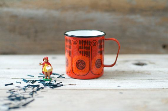 MINT . . .  Finel Lintu/ Peacock Enamel Mug Raija by HouseofSeance