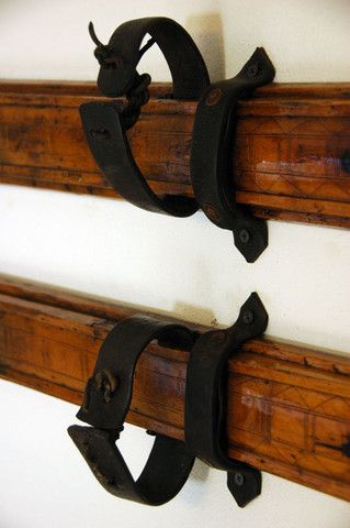 Exactly what we've been looking for to mount some antique skis!