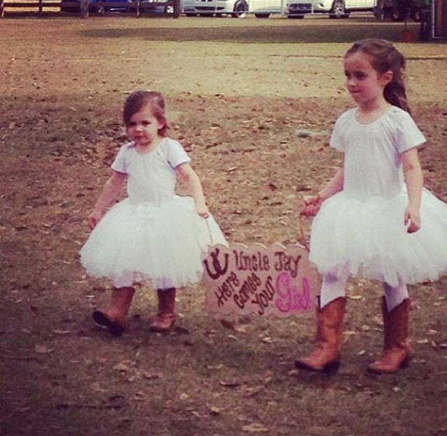 Flower girls. Rustic country wedding