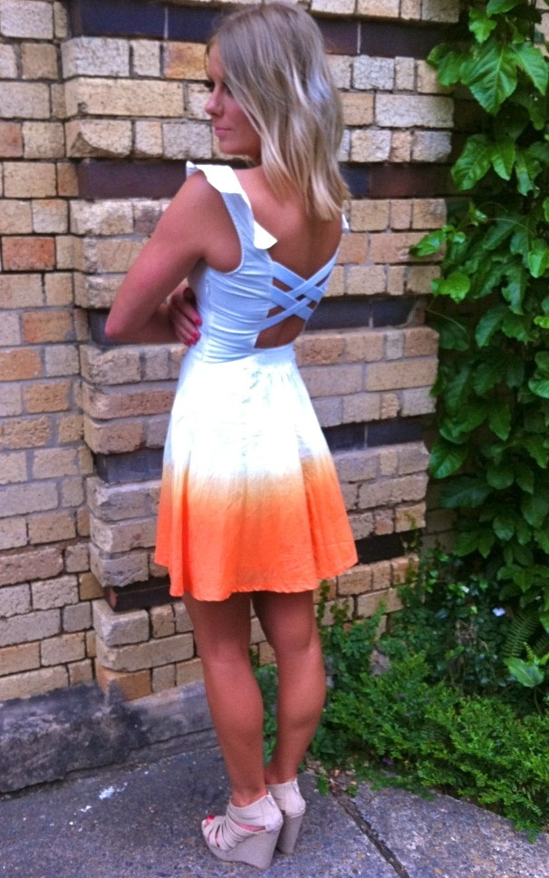 love this dressTies Dyes Dresses, Summer Dresses, Backless Dresses, Dresses Shoes, Sequences, Parties Ideas, The Dresses, Peter Pan Parties, Summer Clothing