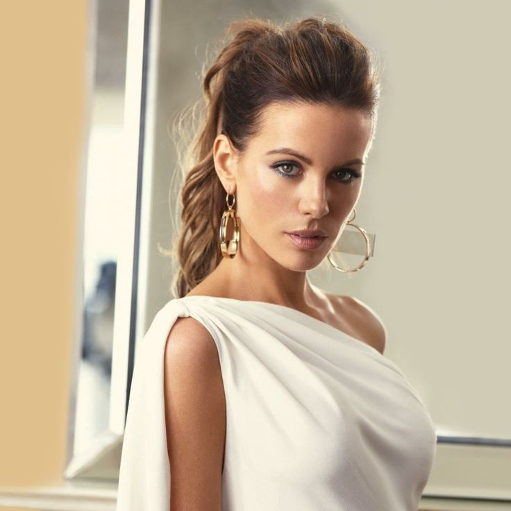 Kate Beckinsale - wish I could see the rest of this dress...