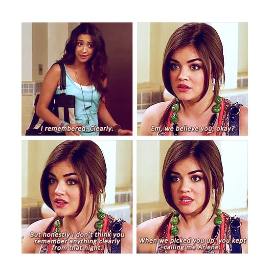 Shay Mitchell (Emily Fields) Lucy Hale (Aria Montgomery) - Pretty Little Liars