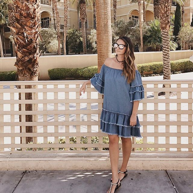 Chambray? More like Cham-YAY! 💙 It's our last day at #wwdmagic so come over to booth no. 70308! ❤️