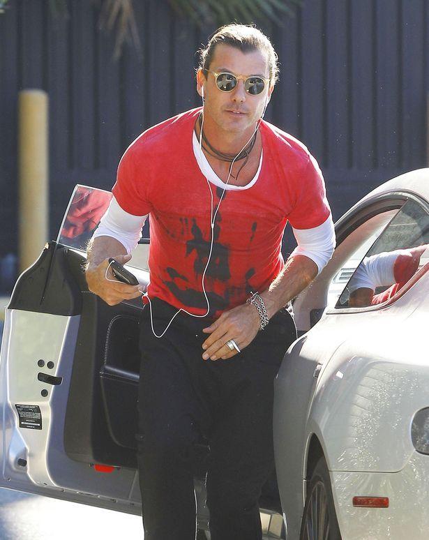 The Bush frontman Gavin Rossdale keeps his wedding ring on despite Gwen split as he heads into the studio