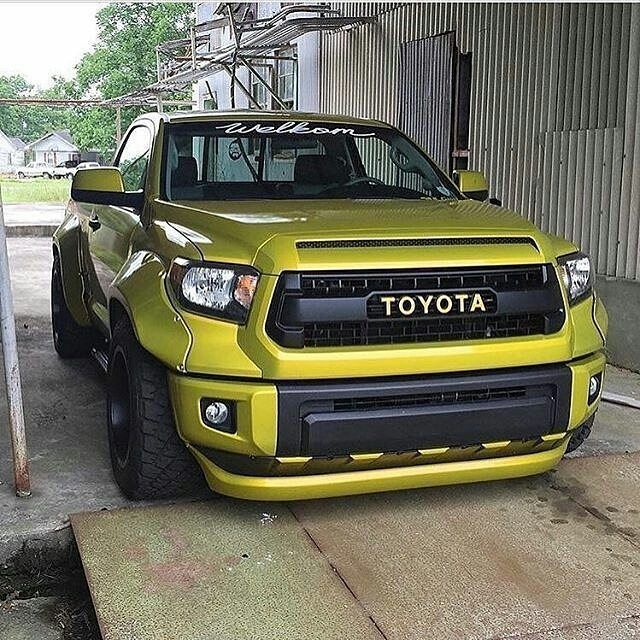 """Live Life, go fast!!! (@excessivexotics) en Instagram: """"Widebody Toyota Tundra  Hot or Not? • Owner: @rutledgewood • #excessivexotics #toyota #tundra…"""""""