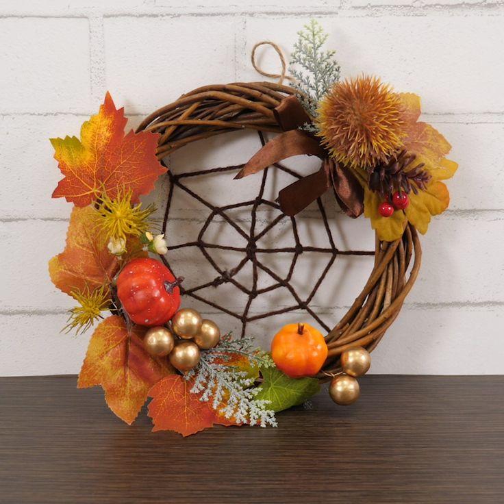 お店ではいろんなハロウィングッズがあるけどどれにしよう...... 今年は、手作りハロウィングッズを作ってみませんか? Halloween Crafts For Kids, Fall Crafts, Halloween Diy, Diy And Crafts, Wooden Pumpkin Crafts, Wooden Pumpkins, Diy Fall Wreath, Wreath Crafts, Autumn Decorating