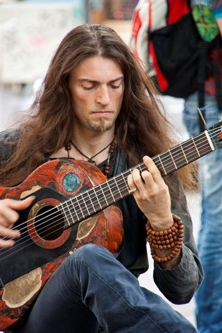 The incredible Estas Tonne - one of the most talented musicians roaming the world today!