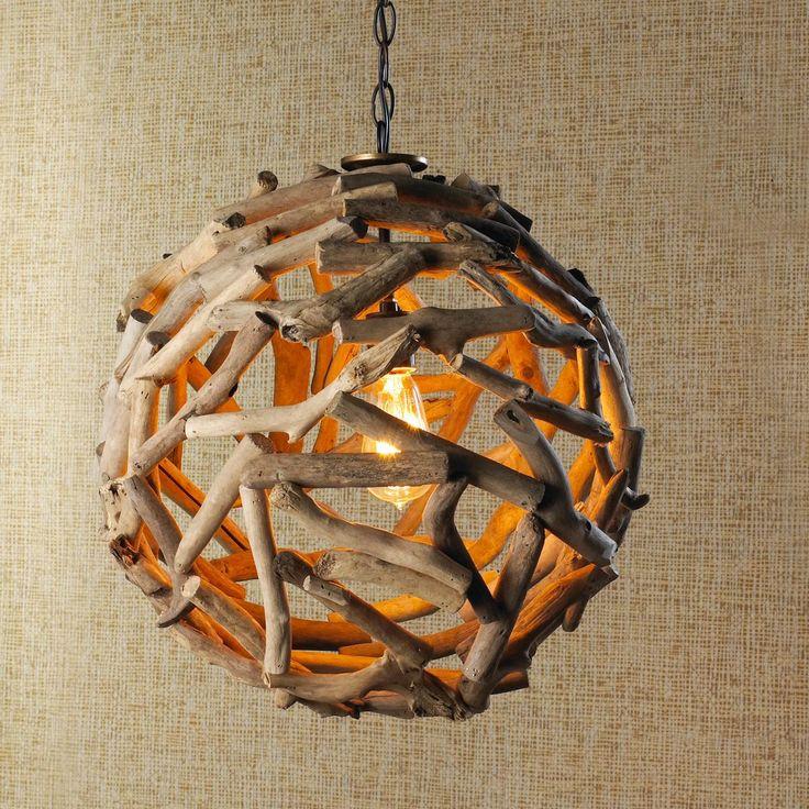 Driftwood Ball Pendant Light no se dde... living adelante del fireplace? o en la zona de sillones? o tal vez en la cocina o el hueco de la escalera? no se dde, pero me encanta!!!!! para armarla yo con alambre y driftwood del mar local!