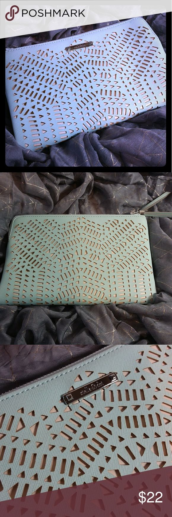 "Stella & Dot Double Clutch Mint Perf Gorgeous mint green Stella & Dot. New without tags.   Length 8 7/8""  width 1 1/4"" height 5 5/8"" Stella & Dot Bags Clutches & Wristlets"
