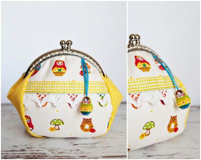 I like the idea of adding a little charm and the bit of lace and ribbon. Maybe I could thread a really cute button for the charm. I think that this is still the basic 4 piece pattern. There is a tutorial, but it is very hard to understand after Google translated it.