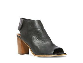 Mule Shoes in Black Leather | Steve Madden NONSTP