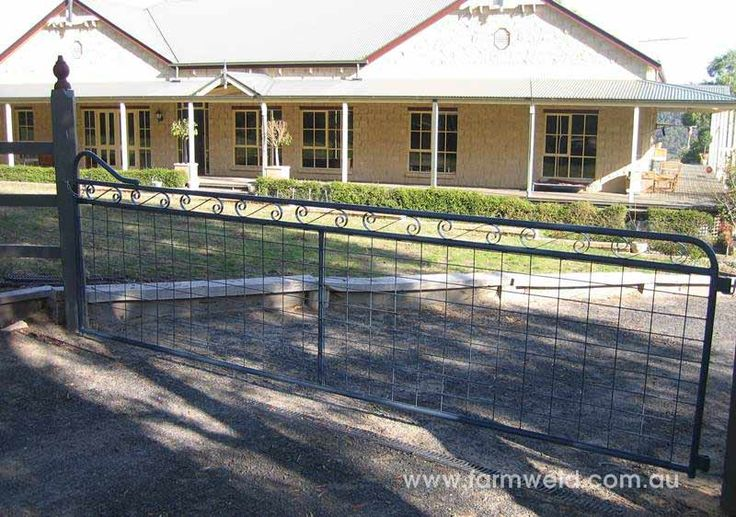 Maddison design heritage style country gate with farm mesh. Beaconsfield Upper, Victoria.