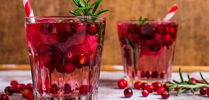 Esta receta de ponche, es un receta navideña muy fácil y además ocupa todos los ingredientes de la temporada de navidad y de año nuevo...