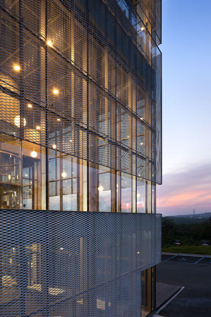 Castillo de Skywalkers by Doojin Hwang Architects / 8 Seokgok-ri, Jiksan-eup, Seobuk-gu, Cheonan-si, Chungcheongnam-do, South Korea
