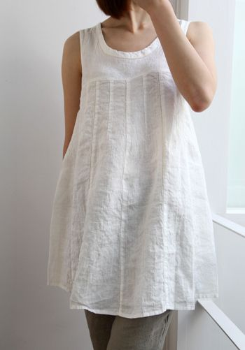 Linen, from http://linoelina.jp Flattering flare from pieced and tucked pieces, from one-piece yoke