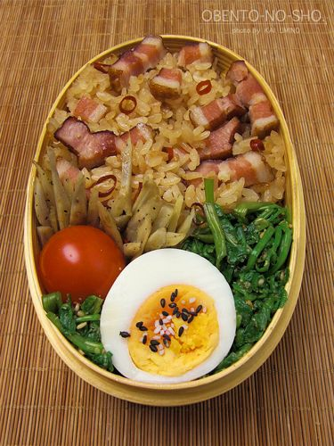 Japanese-Style Garlic Soy Sauce Bacon Rice Bento Lunch|ベーコンの炊き込みご飯弁当