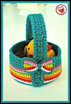 Easter basket, free pattern by Jam Made #CrochetEaster