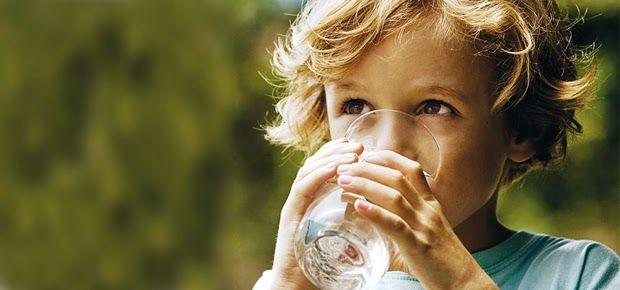 Manfaat Minum Air Putih Bagi Kesehatan, Untuk info lebih lanjut silahkan baca di link berikut ini http://www.beritasehat.net/2014/09/manfaat-minum-air-putih-bagi-kesehatan.html