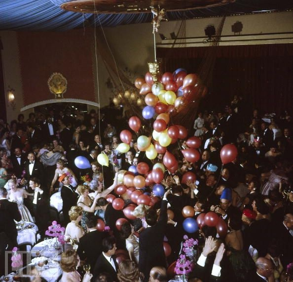 Diy New Years Balloon Drop: 12 Best Images About Balloon Drop Ideas On Pinterest