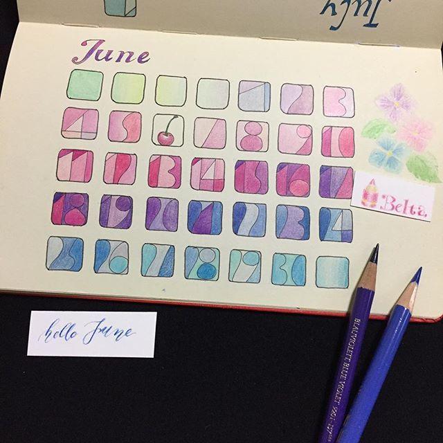 bluebelta昨日から6月。 2012年に描いた6月のカレンダーです。 実用性ゼロ。  でも気分が良くて、評判も良かったです。  月名の文字がいまいちで、このことも文字をきれいにしたいと思うきっかけになりました。  カレンダーを描くのは大好きで、2013年版は丸型で描きました。 今年も何かデザインしようかな。  #art #calligraphy #coloredpencil #drawing #moleskine #calendar #fabercastell #polychromos #june #handlettering #色鉛筆 #カレンダー #アジサイ #6月 #カリグラフィー #色鉛筆イラスト #絵を描く暮らし #モレスキン2017/06/02 10:21:30