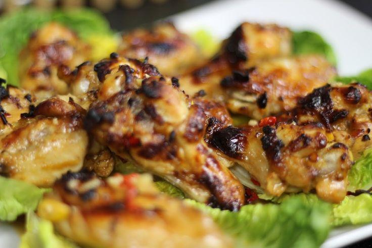 Jak przygotować Słodko - Ostre Skrzydełka - Klasyczny przepis z kuchni chińskiej zaprezentowany na Video na chrupiące i aromatyczne skrzydełka, tego smaku nie da się zapomnieć, Sprawdź:)