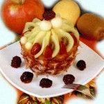 Десерт Фруктовое наслаждение Для приготовления блюда Десерт Фруктовое наслаждение необходимы следующие ингредиенты: ананас, 200 мл шампанского, 2 киви, 200 гр дыни, 50 гр ежевики, 50 гр клубники, яблоко.