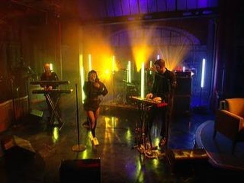 "David Letterman - Little Dragon: ""Klapp Klapp"" - YouTube"