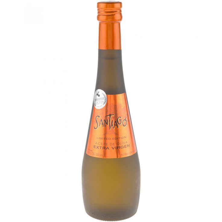 Aceite de Oliva Santiago Limited Edition extra virgen; nace de la combinación de nuestras mejores variedades de olivos. Es un aceite único de un intenso color amarillo con notas verdes. Su aroma es elegante y complejo y su sabor tiene un agradable picor