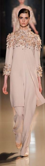 Elie Saab - Haute Couture Spring 2013, this would be perfect for Morocco lunch with mamas friends!