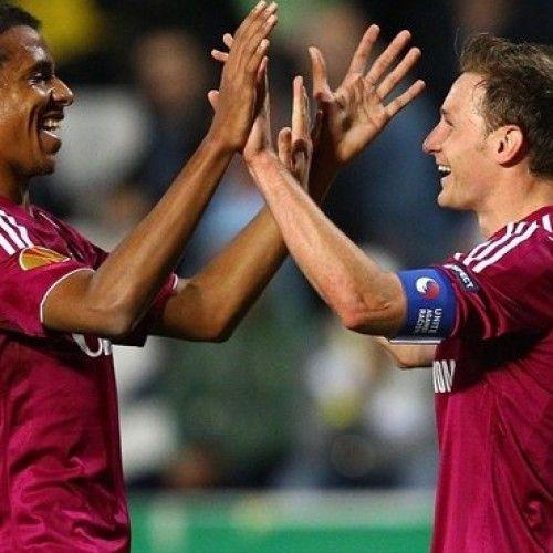 Howedes dan Joel Matip Tinggalkan Schalke
