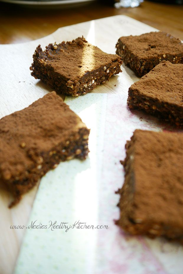 Clean-Eating-Raw-Chocolate-Brownies_4