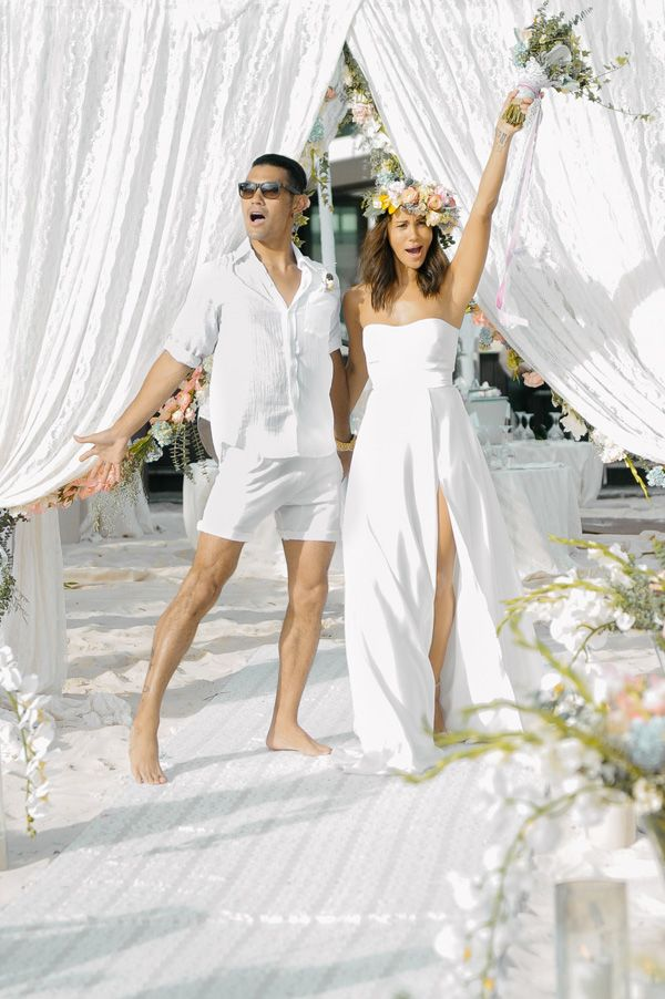 eca35a2f59f3097c8b3f4889d235bf69 - celebrity beach wedding