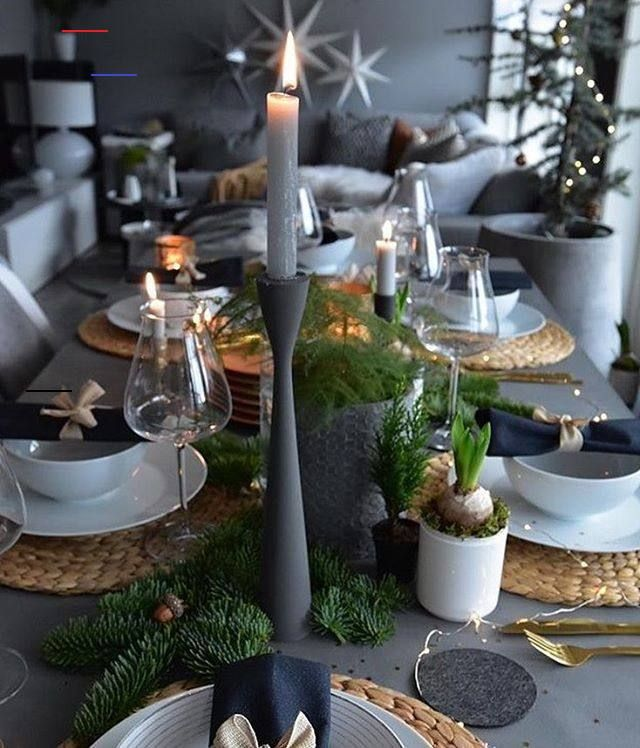Modern Interior Inspiration On Instagram Cred Marenbaxter Interio In 2020 Christmas Table Decorations Christmas Table Settings Christmas Table
